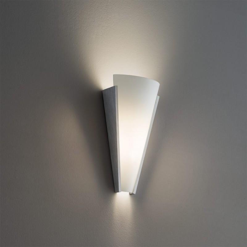 Aplica Flame echipata cu LED structura metal aluminiu dispersor sticla opala 01-1088 Redo